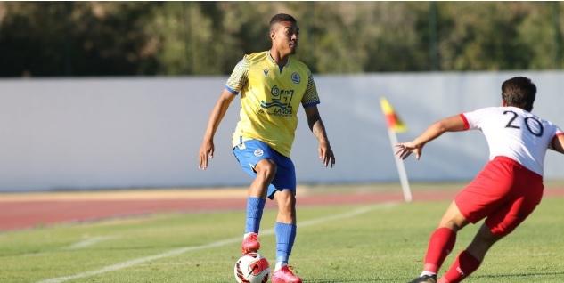 Ex-Frizão, jovem de Cantagalo ganha oportunidade de atuar no futebol português