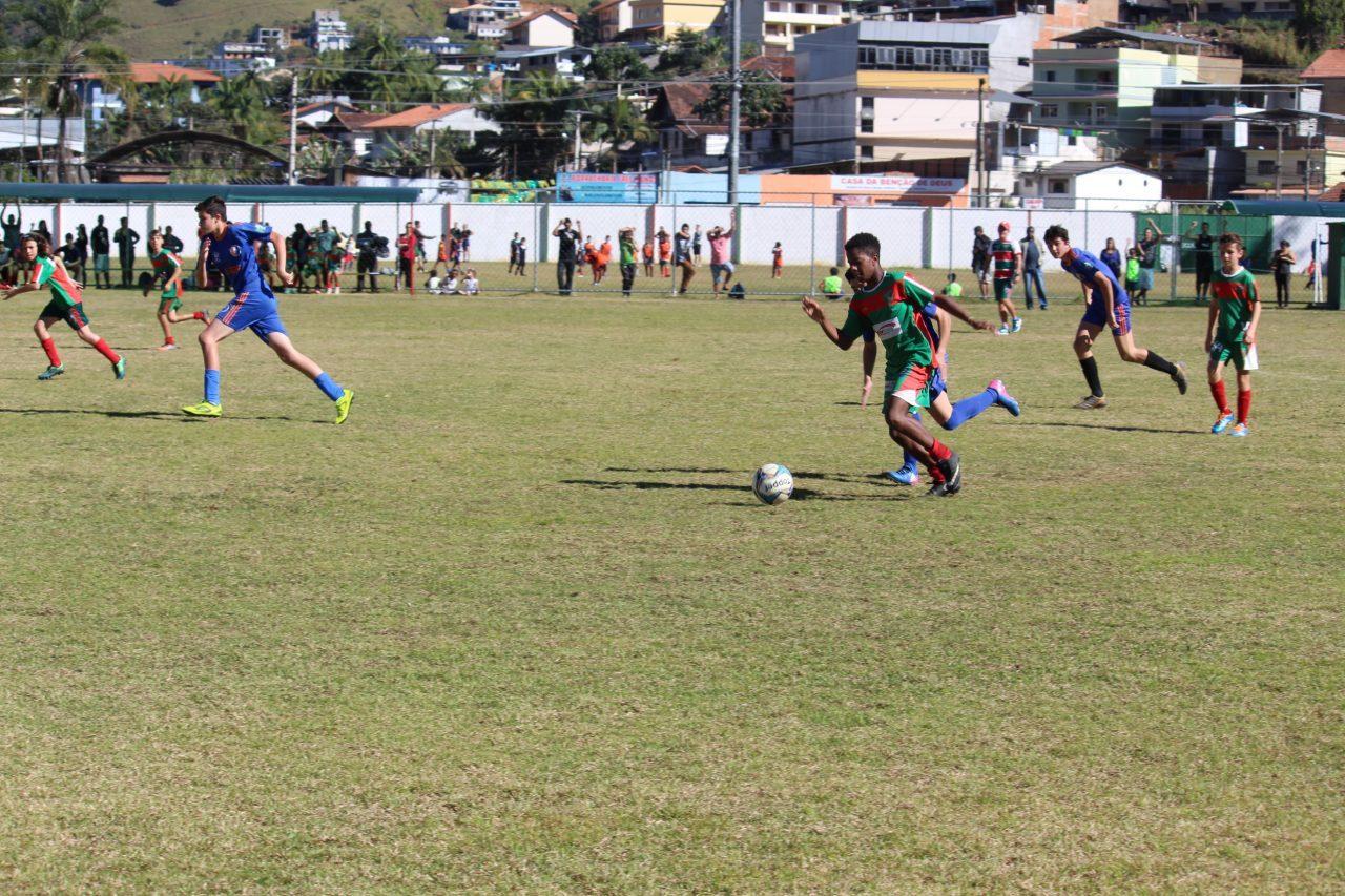 Escolinhas de futebol do NFCC recebem inscrições