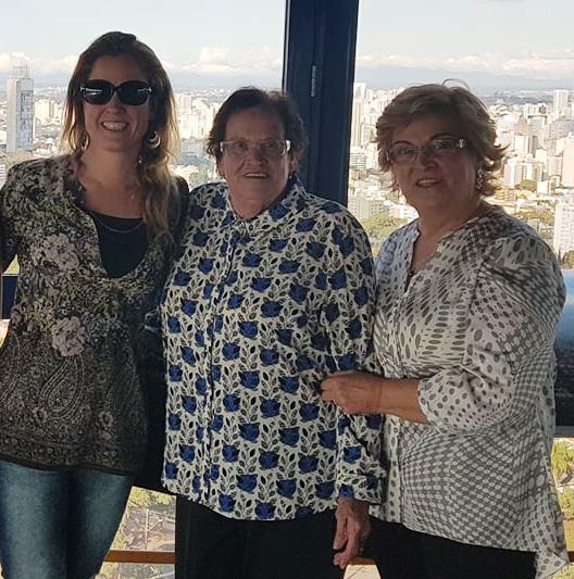 A juíza Gabriela Hardt com a avó Jurema e a mãe Marilza, ambas Ferreira, em visita ao Sul (Fotos: Álbum de família)