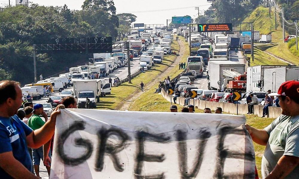 Confederação afasta risco de greve de caminhoneiros em 1º de fevereiro