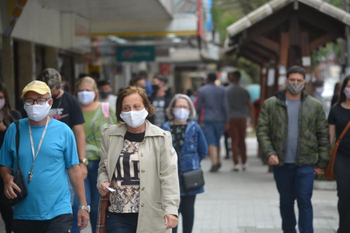 Número de mortos pelo coronavírus volta a subir: agora são 166