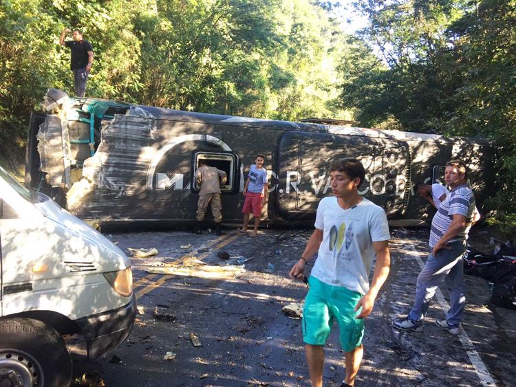 O local do acidente, perto de Cachoeiras de Macacu (Foto: AVS)