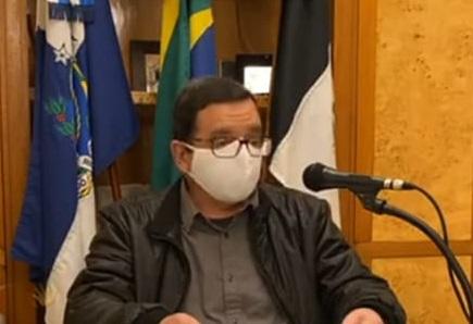 O prefeito Renato Bravo durante a