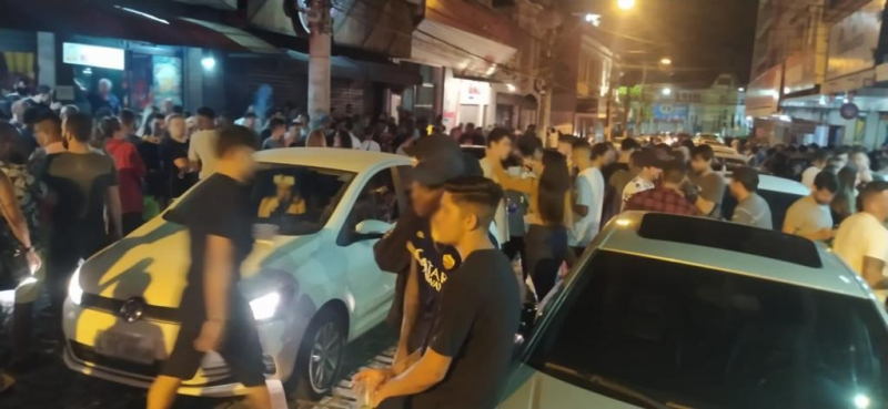 A Rua Monte Líbano lotada na noite de sexta 18 de setembro (Arquivo AVS)