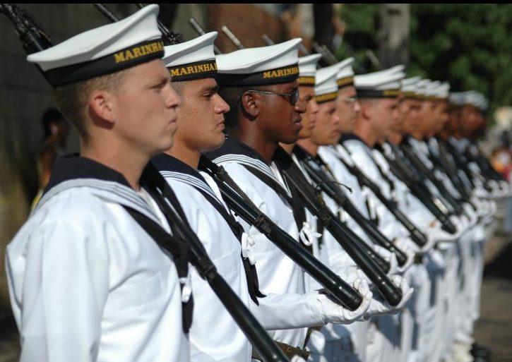 Marinha abre dois concursos para 980 vagas