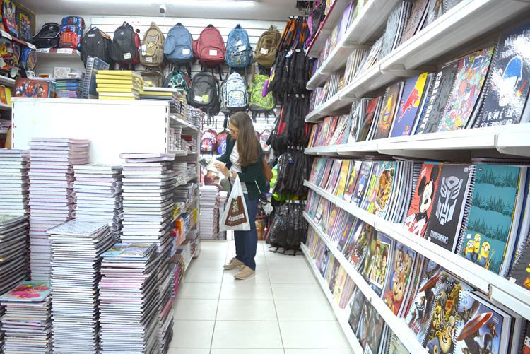 Material escolar (Foto: Henrique Pinheiro)
