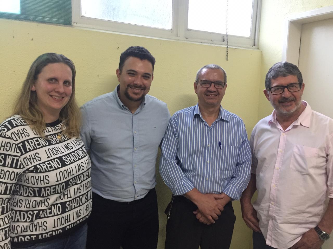 A nova diretoria do Raul Sertã: Wendy, Victor, Geilson com o secretário Marcelo Braune