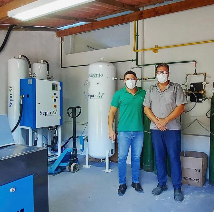 Hospital inaugura usina de oxigênio que pode produzir mais de 250 cilindros por mês