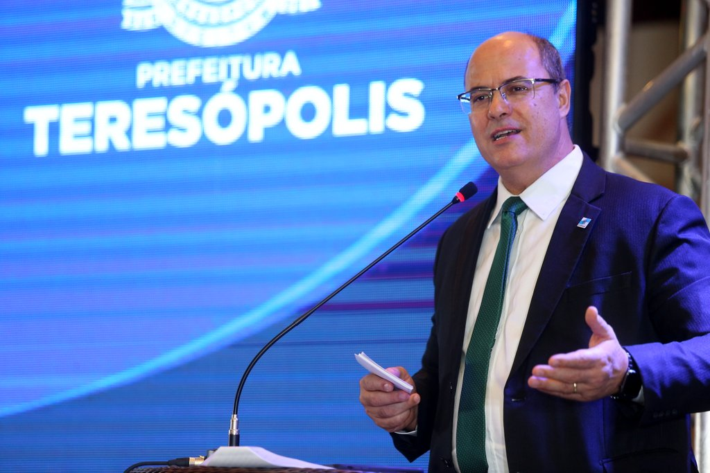 Witzel anunciou os investimentos durante evento que apresentou o balanço de um ano de gestão da Prefeitura de Teresópolis (Foto: Divulgação Philippe Lima)