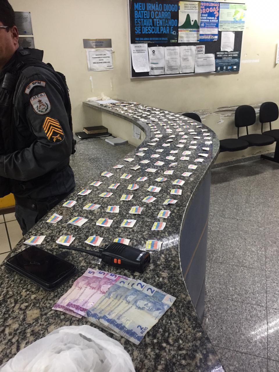A droga apreendida numa das operações (Foto: 11 BPM)