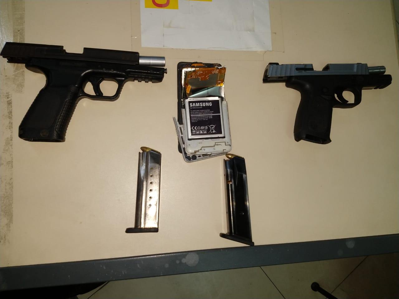 As armas apreendidas (Foto: 11 BPM)