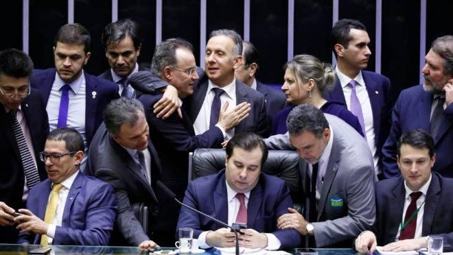 A votação da reforma (Foto: Gazeta do Povo)