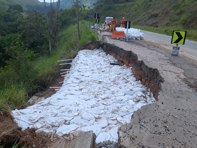 As obras do DER na Serramar, após denúncia de A VOZ DA SERRA (Divulgação)