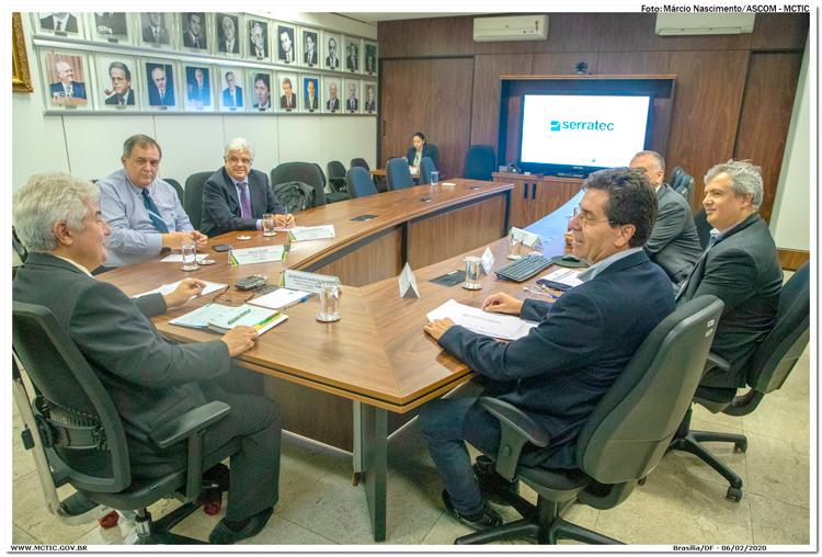 O ministro Marcos Pontes ficou entusiasmado com o Serratec que reúne atualmente 170 empresas (Divulgação)