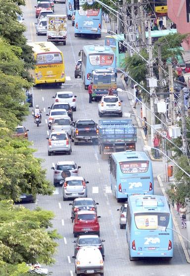 Trânsito em Nova Friburgo antes da pandemia (Arquivo AVS/ Henrique Pinheiro)