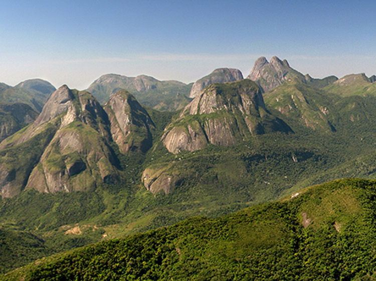 O Parque Estadual dos Três Picos (Foto: Hugo de Castro)
