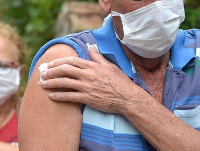 Vacinação de idosos em Nova Friburgo (Arquivo AVS/ Henrique Pinheiro)