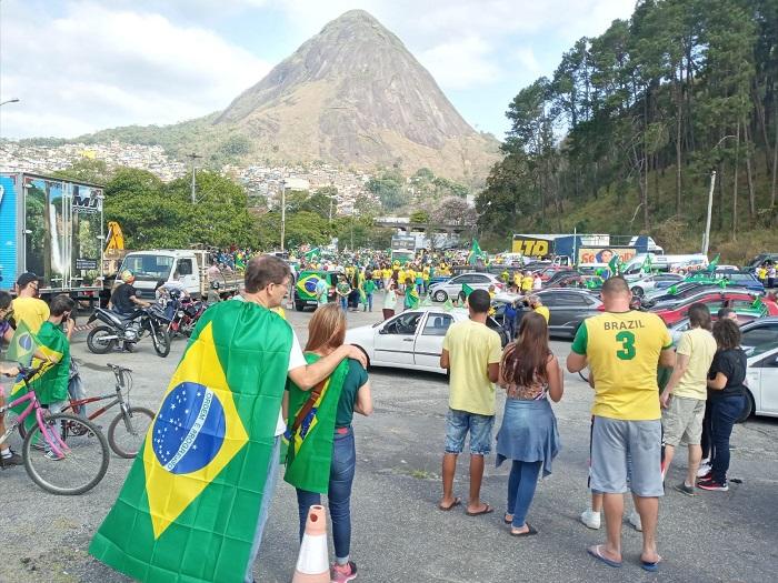 A manifestação à tarde na Via Expressa (Fotos da web)