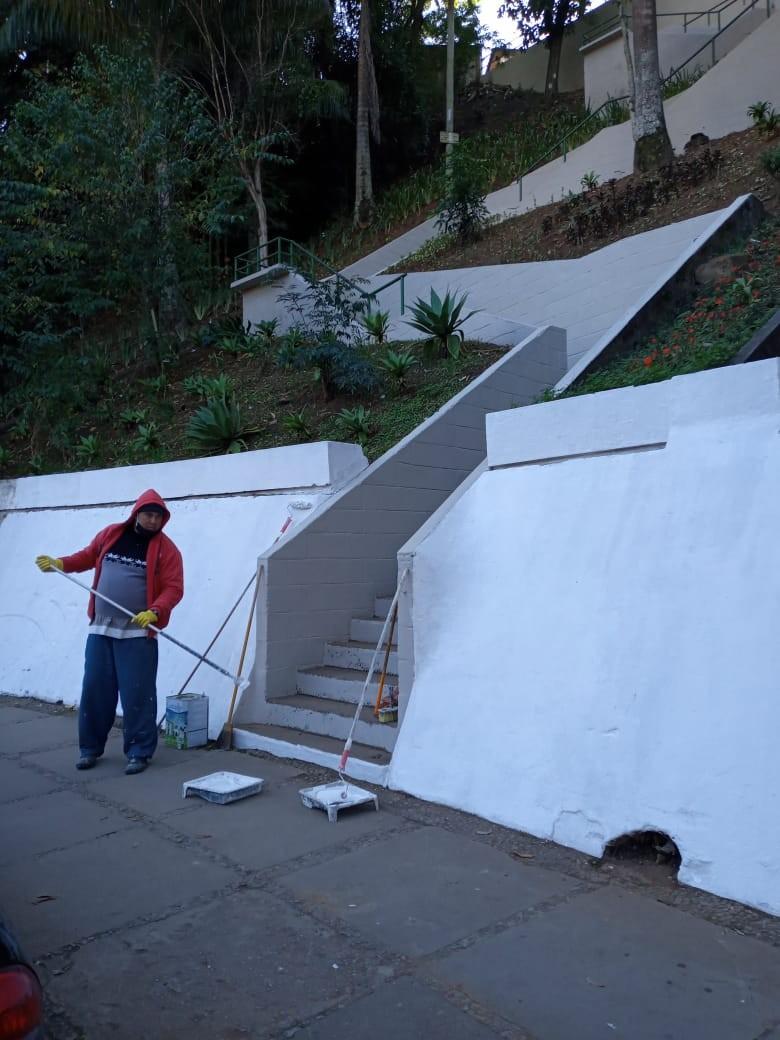 Concluída reforma no escadão do bairro Ypu