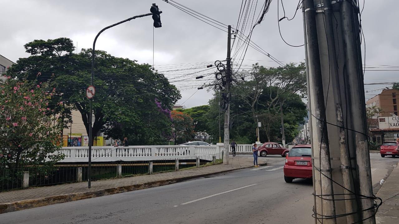 Os sinais apagados na Comte Bittencourt (Foto: Alerrandre Barros)