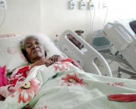 Cibercília Soares dos Santos internada no Hospital Raul Sertã